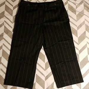 Worthington Stretch Pinstripe Capris Sz 12